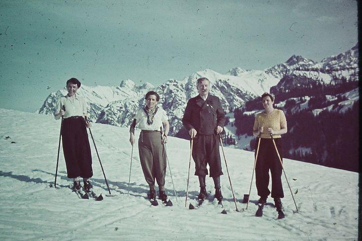 Лыжники в Альпах, 1938