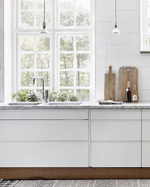 Kitchen dreams and my thoughts about white kitchen dilemmas  New blogpost  Trendenser.se #vittkök #whitekitchens #köksinspo #kitcheninspo : @fantasticfrank