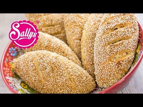 Türkische Sesambrötchen mit Sucuk-Käsefullung - Peynirli Sucuklu Simit Pogaca - YouTube