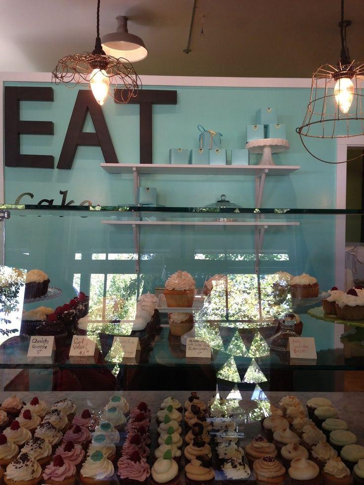 bakery+interior.jpg 736×981 pixels