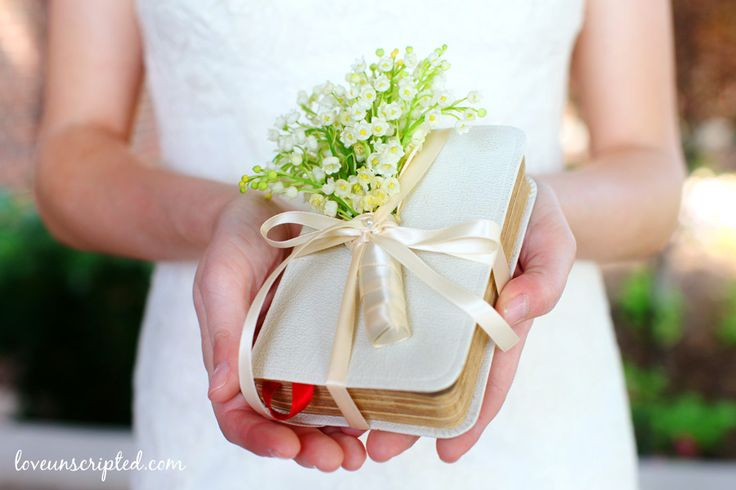 Bible instead of bouquet - http://loveunscripted.com/blog/