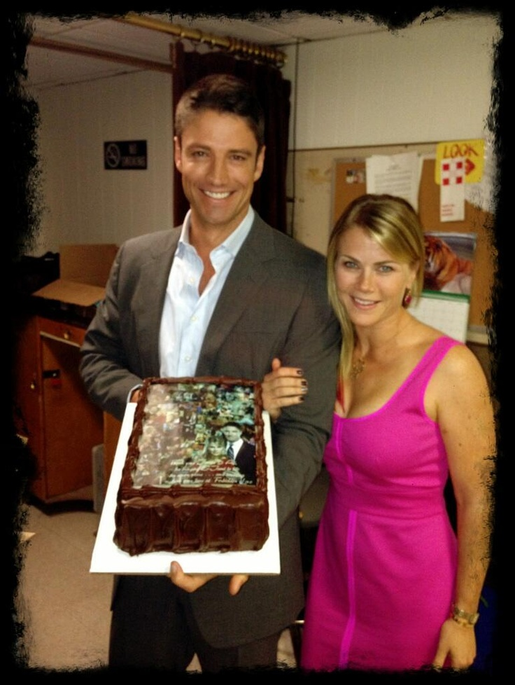 James and Alison thank @FL_EJami_Fans for the cake they sent to celebrate 7 years of #EJami on #DAYS!