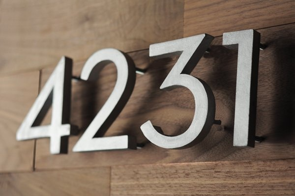 make your own mid-century house numbers - cool.... / via Curbly: Mid Century Modern, Diy Houses, Mid Century Houses, Idea, Address Numbers, House Numbers, Modern Houses, Midcentury, Houses Numbers