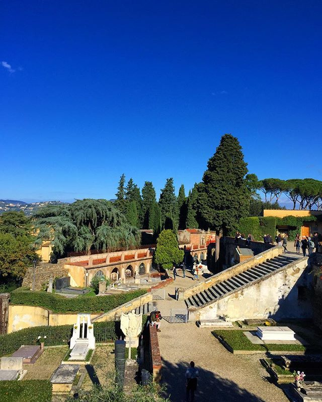 Cemeteries can be surprising peaceful, and my personal favorite is the cimitero delle porte sante (circa 1840's) by San Miniato al Monte overlooking #YourFlorence. You'll find some famous names buried here Giovanni Meyer (founder of the children's hospital in town), Carlo Collodi (creator of Pinocchio). A good excuse to come for a wander and to peek into a 1,000 year old church.