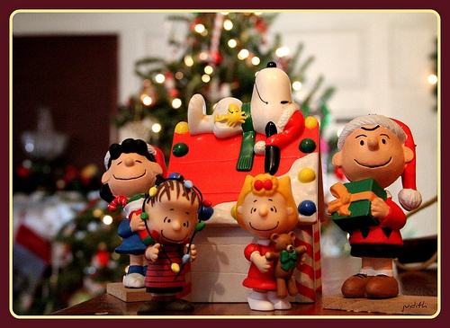 109 best a charlie brown christmas images on pinterest charlie snoopy christmas decor - Snoopy Christmas Lights
