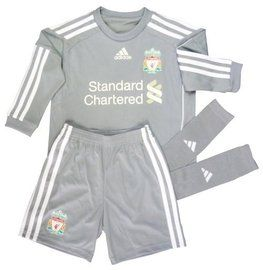 Liverpool Kids Goalkeeper Kit 2010-12, this little goalie kit is available to fit age 1-2years,2-3 years and 3-4 years and it is a genuine bargain as its 60% off the original price, ideal for all those budding little Liverpool goalie's go to Soccer Box and see for yourself. http://www.soccerbox.com/kids-football-kits/uk-teams/liverpool-boys-goalkeeper-kit.html