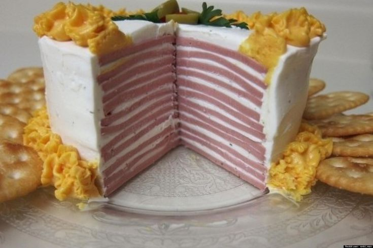 25 Gross Old Fashioned Recipes You Won't Believe People Actually Ate: Bologna Cake