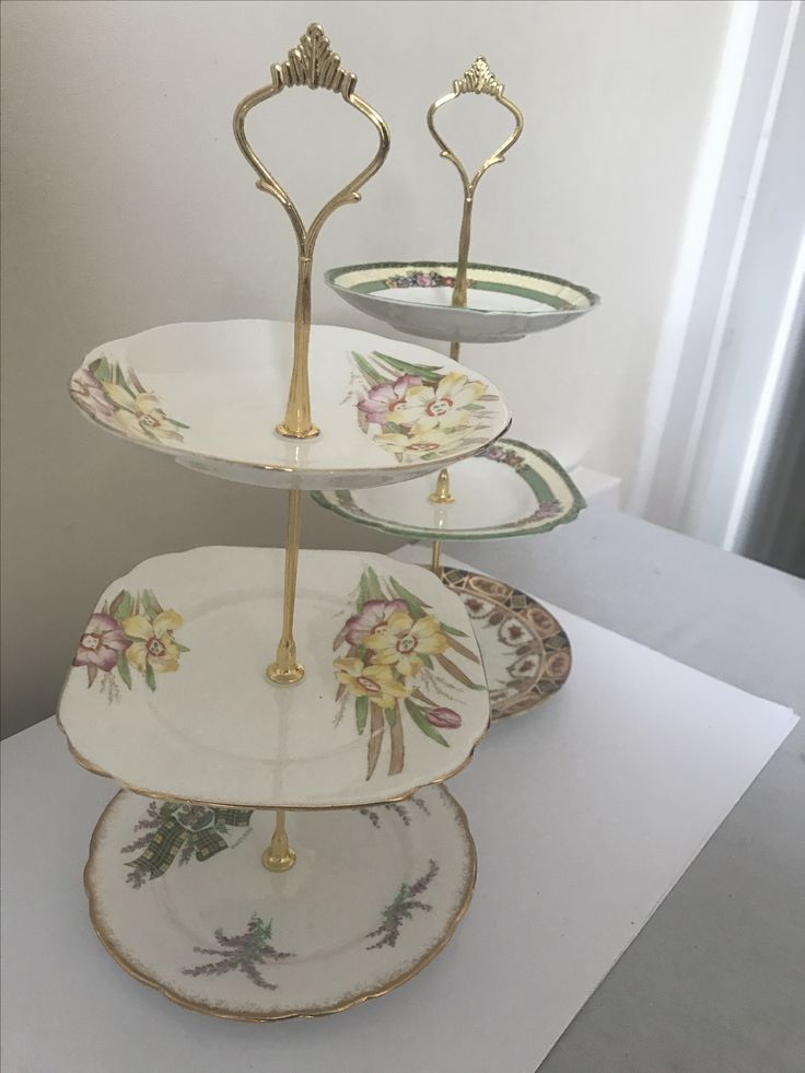 Old China bred plates upcycled into a cake stand. You need a good drill and a diamond drill bit to cut through the China.