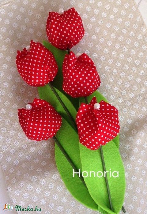 Tavaszi tulipánok (5 db) -pöttyös (Honoria) - Meska.hu