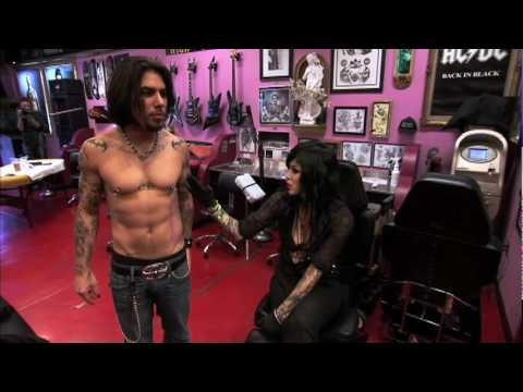 LA Ink - Dave Navarro from Jane's Addiction - YouTube Would -LOVE a Kat tat and who wouldn't wanna meet Dave??