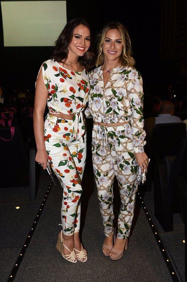 Bruna Marquezine e Giovanna Ewbank estiveram no lançamento de uma nova coleção da Riachuelo