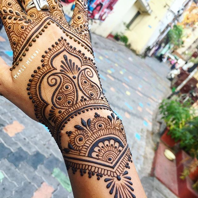 1000+ Ideas About Back Henna On Pinterest