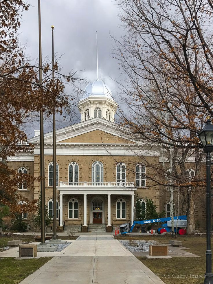 Carson City started as a waystation for settlers during the Gold Rush. In 1864 Nevada became a state and Carson City was confirmed as its permanent capital.