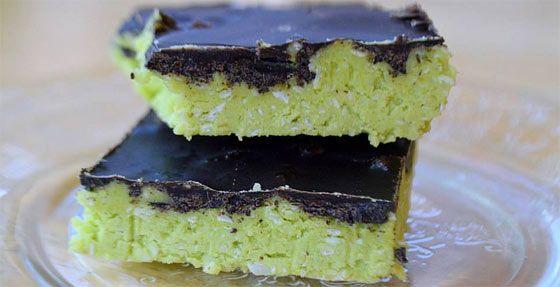 Nem csak nevében, de szín- és ízvilágában az After Eight nevű édességre hasonlít, megjelenésében azonban egy igazi reform desszert a Before eight szelet. Van benne valami különleges, ahogy egy lágy zöld színű szeletet kóstolsz, közben a menta és a kókusz íze hasít az ízlelőbimbóidon, majd a csoki olvad szét. Ez a recept teljesen clean, valamintlaktóz- [...]