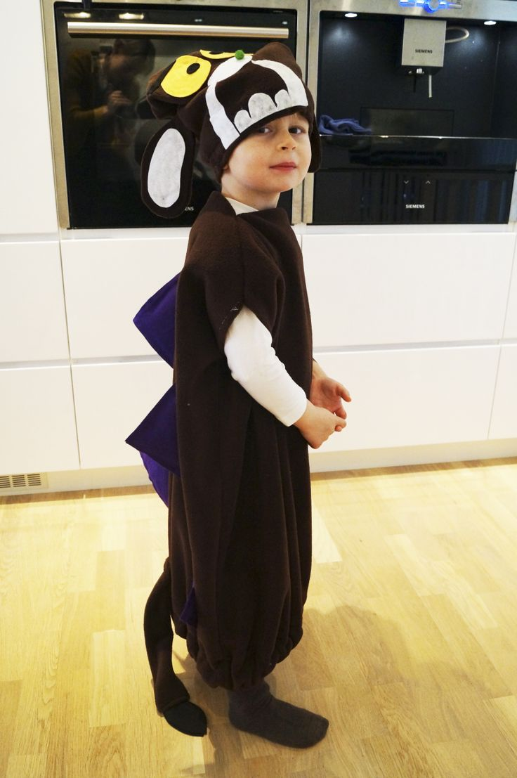 Love this homemade Gruffalo costume!