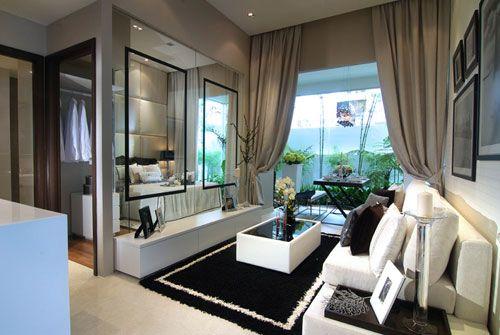 Clean White Baroque Theme Studio Apartment