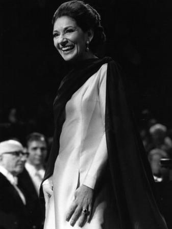 27 November 1973: Maria Callas gives a farewell concert at the Royal Festival Hall. Photo from Getty Images