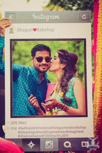 Unique idea for photobooth, have an instagram cutout for the wedding, social media in wedding, photobooth ideas