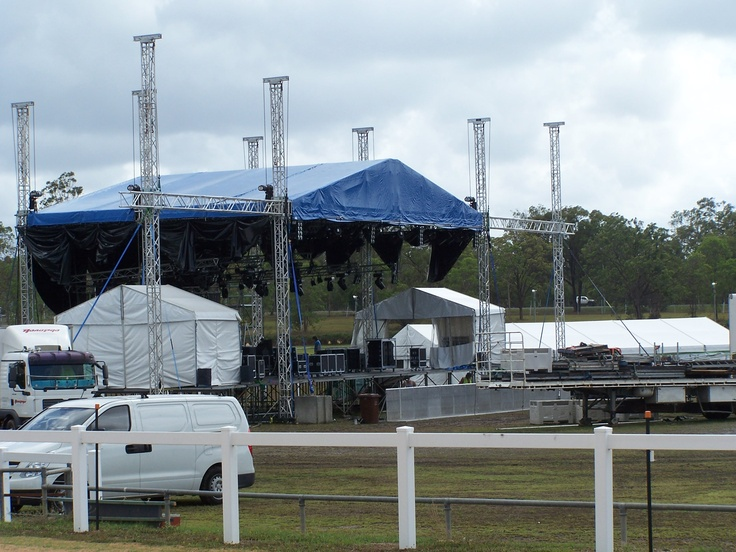 Up goes the main stage for the arena and night time activities.