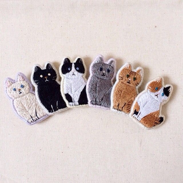 mini gatos bordados