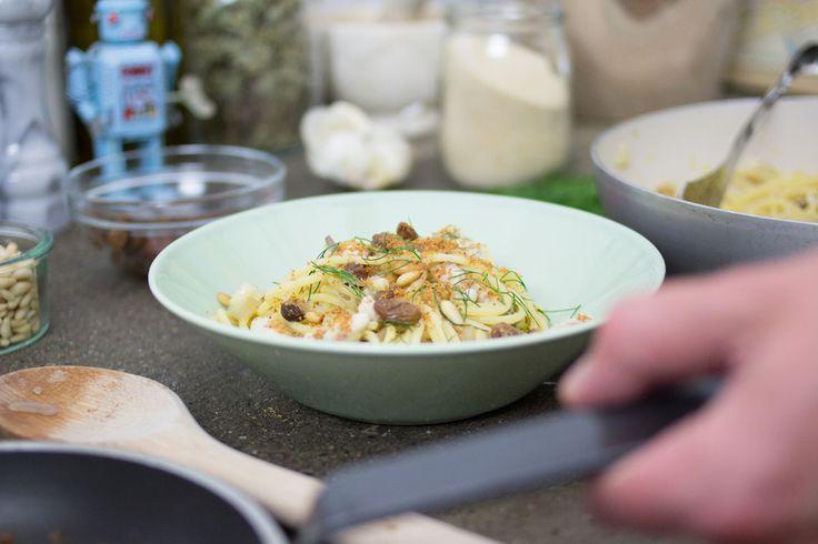 Amiamo tantissimo le paste di mare, questa Pasta con sgombro alla siciliana ti farà sentire subito in vacanza!
