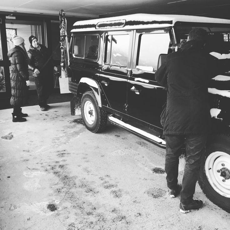 Fotoshooting Land Rover Defender 110 im MIRAMONTI Boutique Hotel in Südtirol.