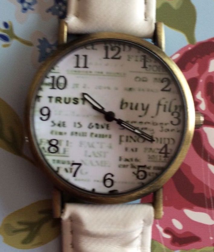White Faux Leather Strap Newspaper Watch #journalism #journalist #white #fauxleather #leather #fashion #strap #newspaper #news #quirky #cute #watch #watches #wrist #wristwatch #gift #present #ladies #men #style http://m.ebay.co.uk/itm/White-Faux-Leather-Strap-Unisex-Wrist-Watch-Newspaper-Face-Xmas-Ladies-Men-/282418605453?nav=SELLING_ACTIVE