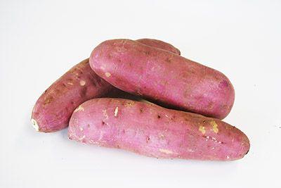 紅優甘(べにゆうか) 安納芋と同等の甘さを持つ「紅はるか」を、茨城県・JAなめがた甘藷(さつまいも)部会にて生産したものを、独自で商標登録した名称が「紅優甘」です。 8~9月の新芽の時期にも、甘くてしっとりした焼き芋を味わうことが出来ます。