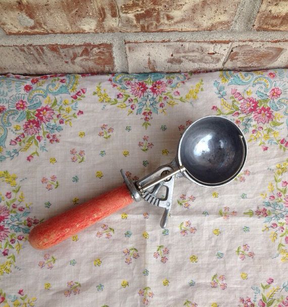 Sale! Vintage Red Wood Handled Ice Cream Scoop / Disher - Farmhouse - Chippy on Etsy, $9.95
