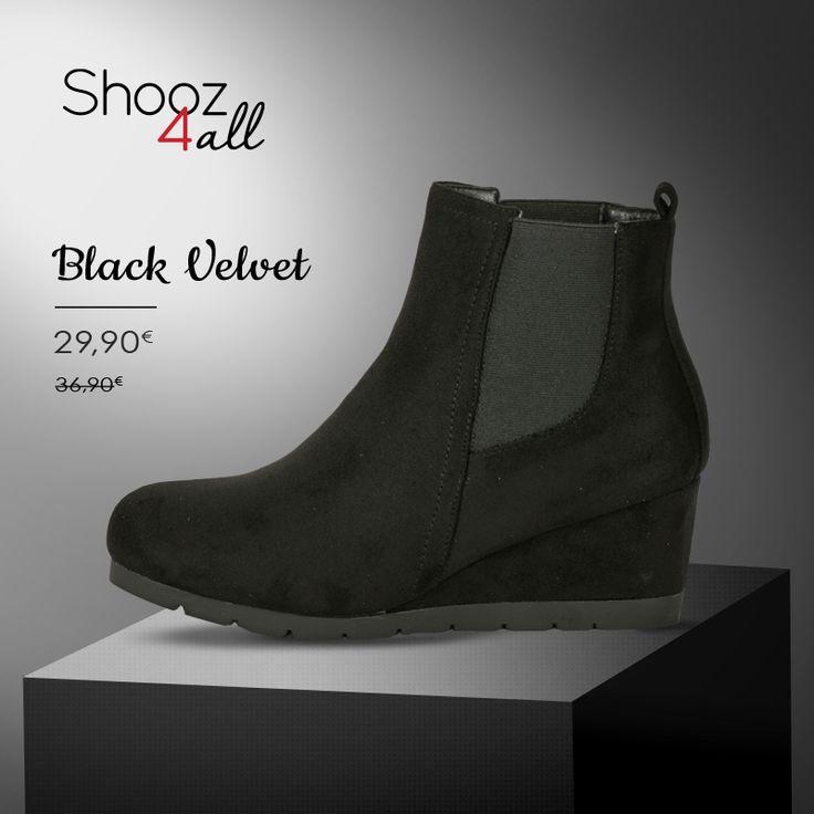 Μαύρα βελουτέ μποτάκια με χαμηλό τακούνι και άψογη εφαρμογή. #shooz4all #veloute #mpotakia
