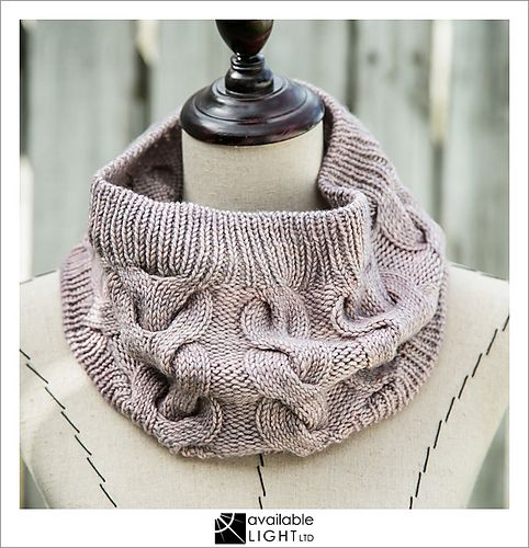 Sometimes, simple and cosy is all you need. This pattern is designed to showcase that one skein of special DK-weight yarn that you've been hoarding… and because a cowl is worn near your face, you can be sure everyone will admire your new creation - and you can snuggle your favourite yarn every time you wear it!