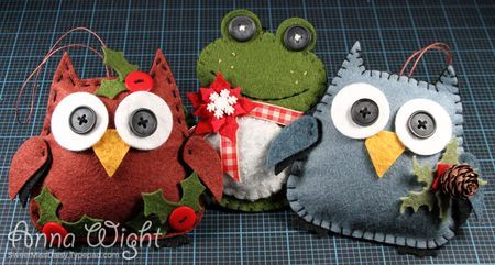 Pull out your Sizzix dies, and get crafty -- I'll show you how to make these Christmas cuties! I used the Owl #2 and Frog #2 Bigz dies and put a Christmas spin on things for some cute non-traditional Christmas ornaments. I gathered up some of my favorite supplies, including wool felt, embroidery flo