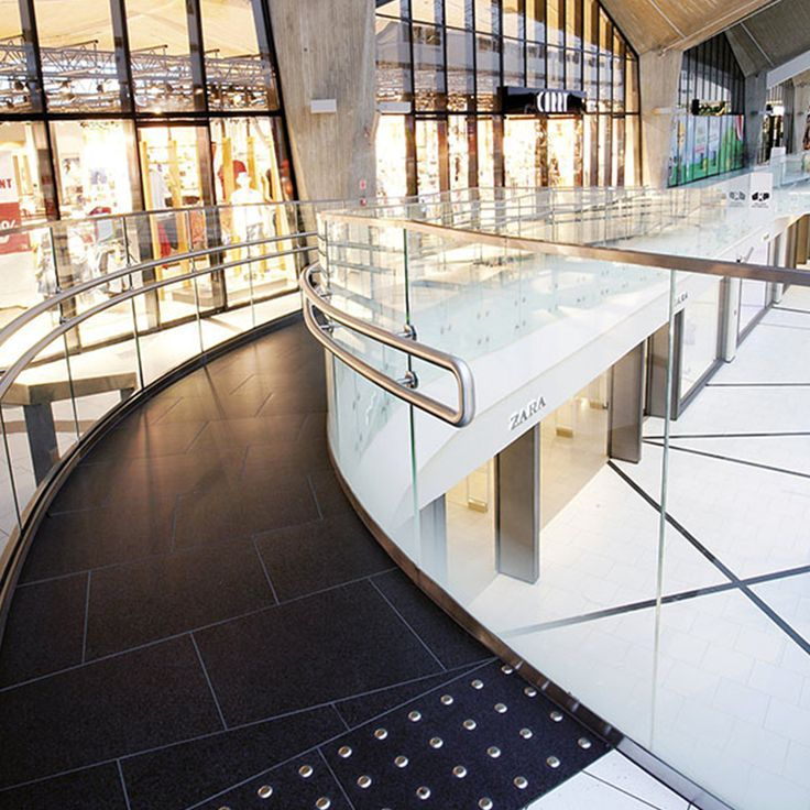 Shopping Center Galeria Katowicka is a majestic project realized using 6 different materials: Taxos Maximum, Anthracite Groun, Anthracite Go, Black Galaxy, Anthracite Stop and Silver Ground.