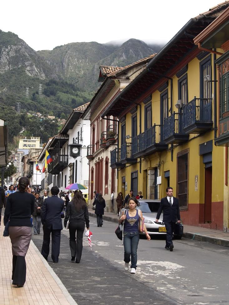 COLOMBIA | Bogotá: ¡Déjate Seducir! - SkyscraperCity  ¿Te interesa la arquitectura y el urbanismo? Te esperamos en www.arquirecursos.com