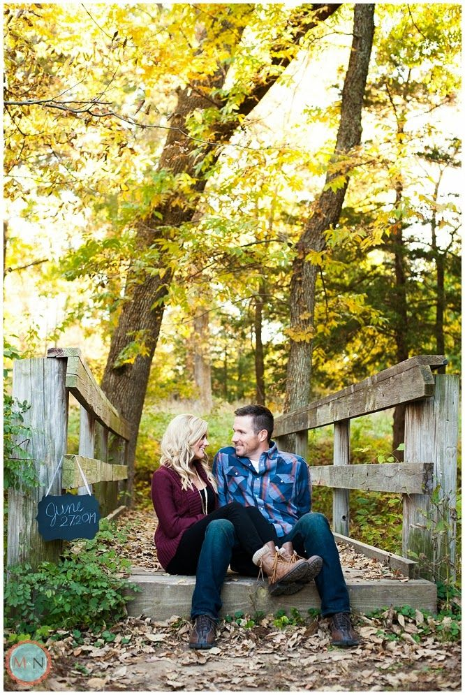 Fall Engagement photos, cute save the date idea