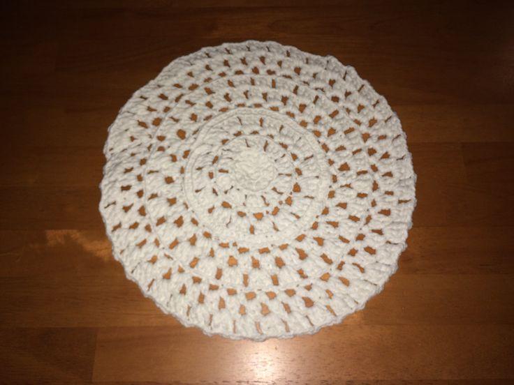 Crocheted linen. Yarn: Novita Samos