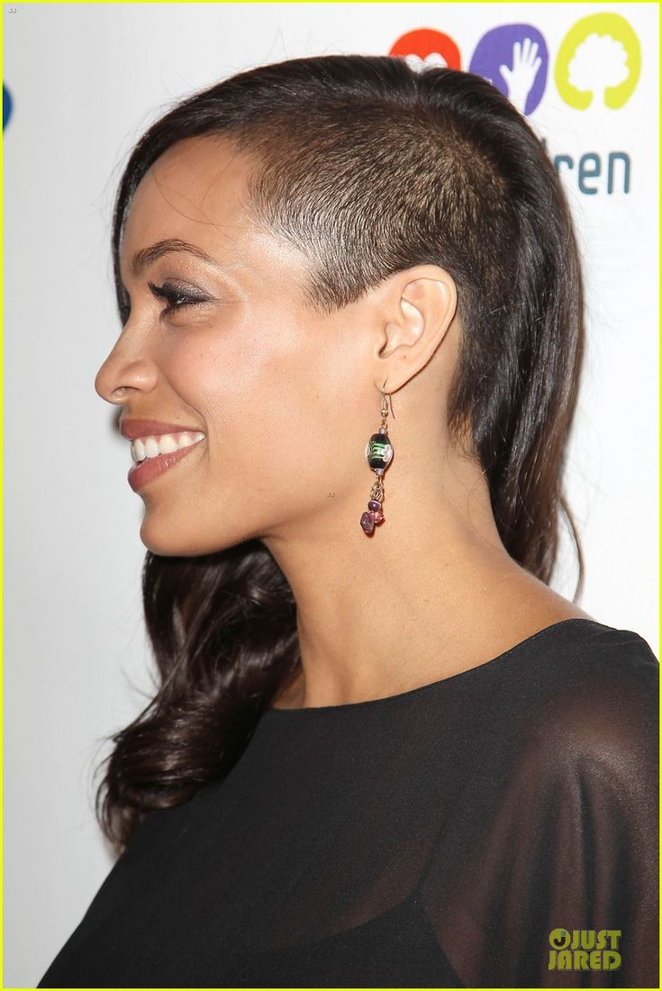 Rosario Dawson looks awesome with this undercut OMG