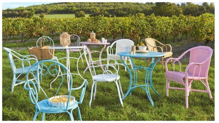 Les 25 meilleures id es de la cat gorie chaises en fer for Mobilier de jardin colore