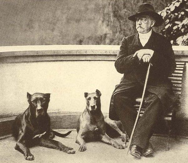 Otto von Bismarck and his dogs Tyras II and Rebecca in 1891.
