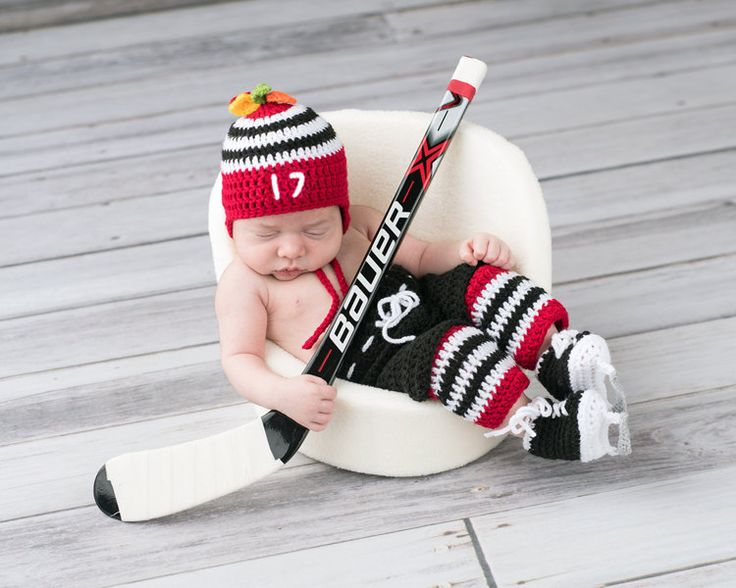 BABY HOCKEY OUTFIT, Chicago Blackhawks Paci Not Included, Baby Hockey Outfit, Hockey Baby Boy, Knit Hockey Baby Skates, Baby Hockey Knit Hat by Grandmabilt on Etsy