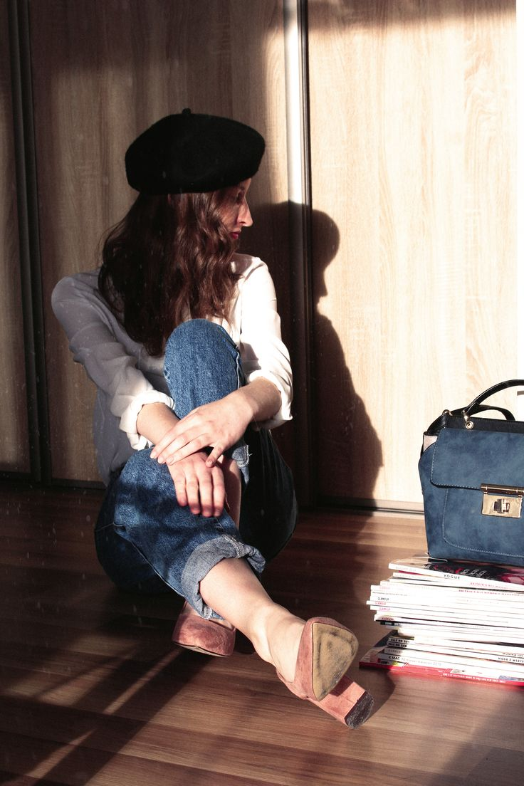 beret, mom jeans, heels, french style