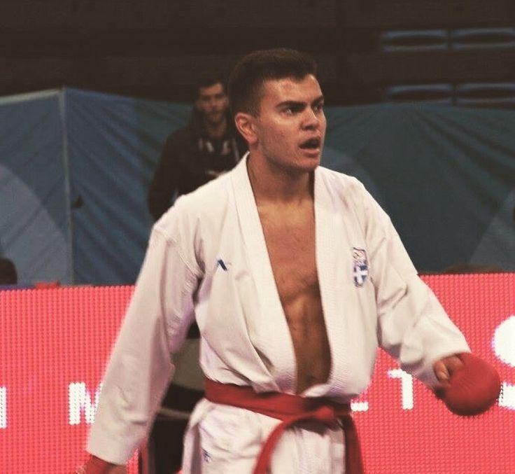 Στην Εθνική Ελλάδος Καράτε ο 18χρονος Βασίλης Βρούτσης