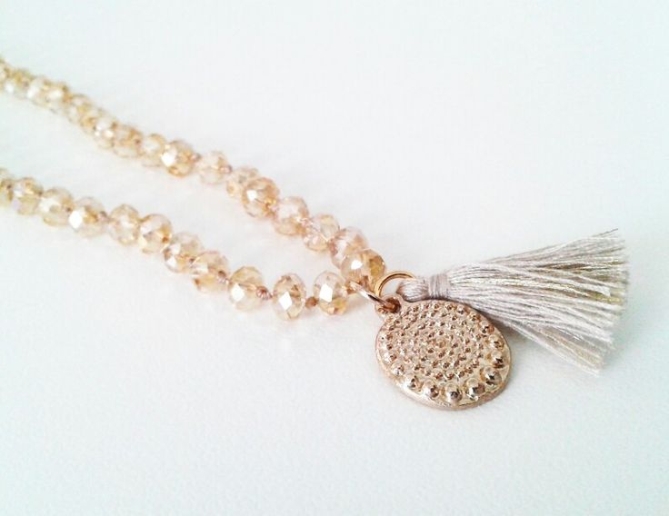 Short necklace with crystals and tassel
