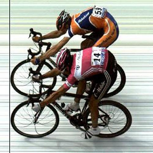 Pieter Weening wins 8th stage Tour de France. 2005. Weening remained in the sprint Klöden a band thickness.