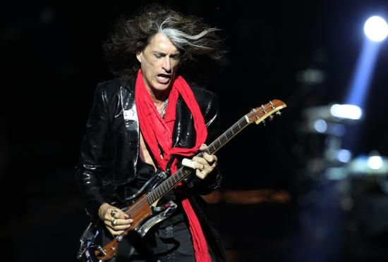 Aerosmith Guitarist Joe Perry Collapses on Stage in New York