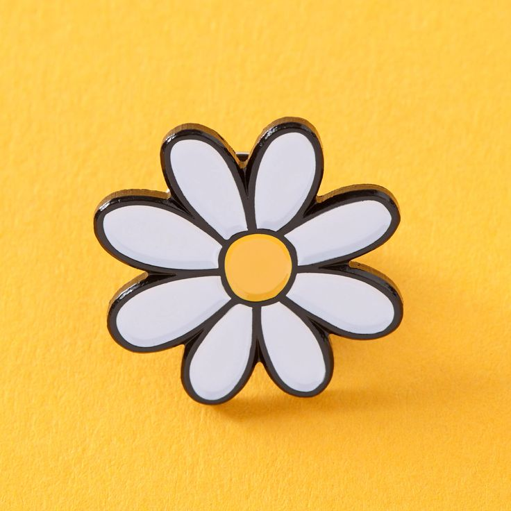 Daisy Enamel Pin // prety flower pin, daisies pin badge // EP105 by Punkypins on Etsy https://www.etsy.com/listing/468842051/daisy-enamel-pin-prety-flower-pin