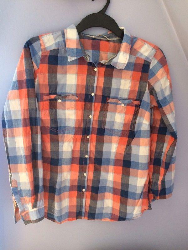 Koszula jest w stanie idealnym Rozmiar to S Kupiona w sklepie C&A Kupiona za 99,99 zł  #koszulawkrate #shirt36