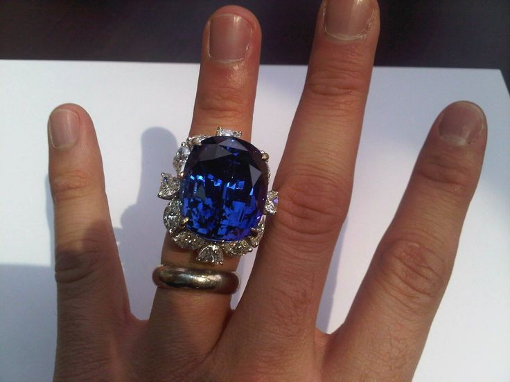 Anyone for amazing tanzanite - Perth Diamond Company