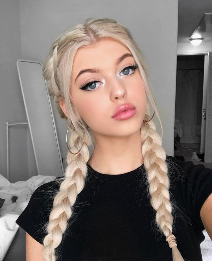 Loren) she smirks as she walks down to the bonfire. As she walks you walk by her and say