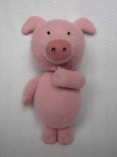 i need to learn how to knit SO BADLY. its pig from kipper the dog!
